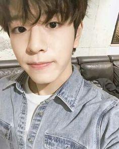 Stray kids (( �Icons + More )) Lee Min Ho, Kids Web, Kim Woo Jin, Stray Kids Seungmin, Summer Songs, Kids Icon, Shared Folder, Lee Know, Minho