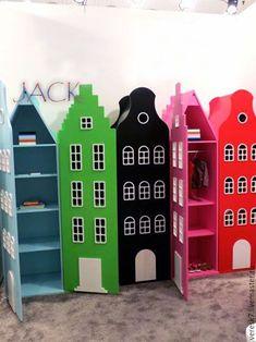 Купить или заказать Шкафчик 'ДОМ' в интернет-магазине на Ярмарке Мастеров. Яркий и стильный шкафчик обязательно украсит детскую и будет радовать Вашего ребёнка долгое время! с ним можно и играть и складывать в него игрушки. Любой цвет.