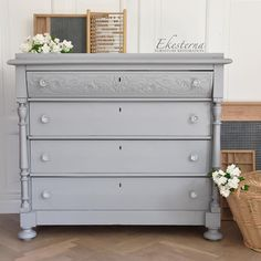 Fusion Mineral Paint with a touch of Sweden – Dala Muses – toptrendpin. Gray Painted Furniture, Grey Furniture, Paint Furniture, Bedroom Furniture, Refinished Furniture, Shabby Look, Furniture Update, Furniture Makeover, Mineral Paint