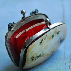 AWESOME vintage jewelry PURSE... Jun 10 by CoolVintage on Etsy, $27.50