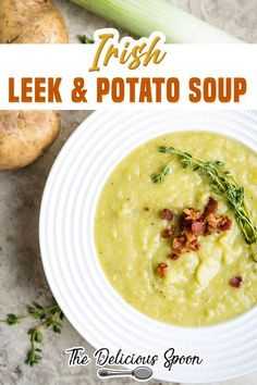 Leek And Potato Recipes, Potato Stew Recipe, Irish Potato Soup, Leek Recipes, Potato Leek Soup, Chowder Recipes, Healthy Soup Recipes, Vegan Recipes Easy, Stewed Potatoes
