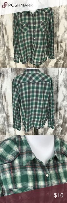 """Mossimo Green Plaid Snap Button Shirt No stains or holes, some piling noted. Mossimo size 2 approx 26"""" across chest and length is approx 24"""". Mossimo Supply Co. Tops Button Down Shirts"""
