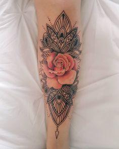 Cooles Tribal einzigartiges Mandala-Aquarell-Rosa-Rosen-Unterarm-Tattoo - DIY Tattoo tattoos for women - Tattoo MAG Girly Tattoos, Pretty Tattoos, Beautiful Tattoos, Body Art Tattoos, Pink Rose Tattoos, Rose Sleeve Tattoos, Tattoos With Flowers, Lotus Flower Tattoos, Girly Sleeve Tattoo