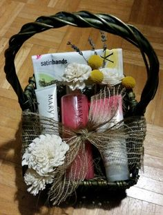 Honor your hostess this holiday season with a beautiful gift basket from Mary Kay!   www.marykay.com/gloriabrown