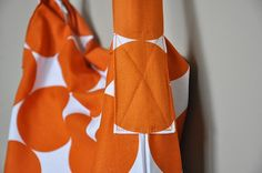 Sew a nifty messanger bag out of pillowcases.