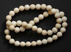Endlosketten - Kette Mammut Bein Perlen 10 mm - ein Designerstück von carvingcollection bei DaWanda