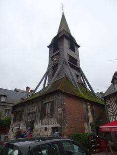 Le clocher, isolé de l'église à Honfleur