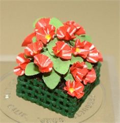 Learn to make dollhouse flowers with IGMA Artisan Era Pearce
