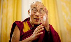 Le « dalaï-lama » est un moine de l'école Guélougpa (dite des « bonnets jaunes »), une des quatre écoles du bouddhisme tibétain, fondée par Tsongkhapa (1357-1419). Le mot, qui signifie « Océan de Sagesse », est issu de deux termes accolés : Dalaï est un mot mongol signifiant « mer »  Lama est un mot tibétain signifiant « maître spirituel ».  Tenzin Gyatso, né en 1935 est l'actuel Dalai Lama