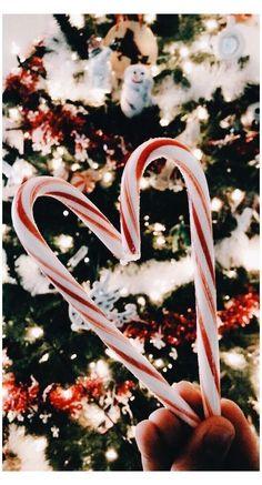 Christmas Collage, Cosy Christmas, Christmas Feeling, Christmas Time, Christmas Cards, Christmas Cookies, Vintage Christmas, Christmas Tree Background, Christmas Decorations