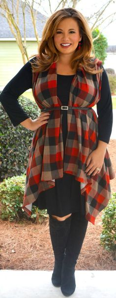 Great look for curvy, plus size woman. Check out our complete autumn capsule wardrobe for plus size ladies http://www.thecapsulewardrobe.co.uk