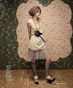 wallpaper and fashion : : Genlux Editorial In Full Bloom