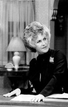 "Bea Arthur in ""Maude"". Dorothy Zbornak, Bea Arthur, Golden Girls, Beautiful Women, Black And White, Celebrities, People, Legends, Image"