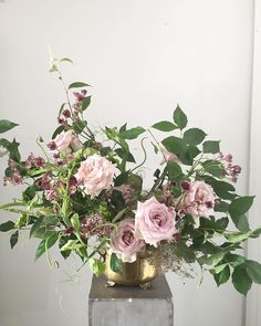 Virginia florist, Wild Green Yonder floral arrangement of astrantia, quicksand roses, sweet pea vines, and dogwood foliage