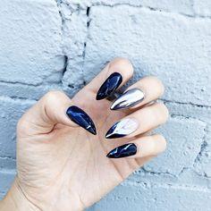 Marble & Chrome nails by @domblackfilenails // @blackfilenails