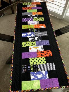 Your place to buy and sell all things handmade : Halloween Quilted Table Runner/Halloween Table Runner/Quilted Table Runner/Handmade Table x 37 Halloween Quilts, Halloween Runner, Halloween Quilt Patterns, Halloween Table Runners, Halloween Sewing Projects, Halloween Ideas, Halloween Decorations, Table Decorations, Table Runner And Placemats