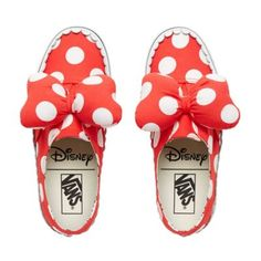 Shop Kids Disney x Vans Authentic Gore Shoes years) today at Vans. The official Vans online store. Vans Authentiques, Red Vans, Vans Authentic, Kids Girls, Little Girls, Girls Shoes, Baby Shoes, Mickey Mouse, Disney Shoes