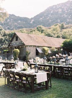 California rustic outdoor wedding venue: http://www.stylemepretty.com/2016/10/24/carneros-inn-spring-wedding/ Photography: Ashley Kelemen - http://ashleykelemen.com/