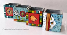 Mosaic Crafts, Mosaic Art, Mosaic Furniture, Mosaic Rocks, Diy And Crafts, Arts And Crafts, Mosaic Pictures, Mosaic Flowers, Painted Flower Pots
