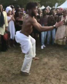 @Regrann from @traceusa -  CRAZY MOVES of @kingsleyibeneche at #AfFROPUNK Brooklyn! |  @cici0nline #dance #afropunk2017 #TRACExAFROPUNK #moves #capoeira #ballet #freestyle #dancefreestyle #nwe #niggazwithenjaillement #crazymoves #goodvibes #afro #dancebattle #festival @niggazwithenjaillement @nweworldwide  #Explore #MMV www.biglifemmv.com - #regrann