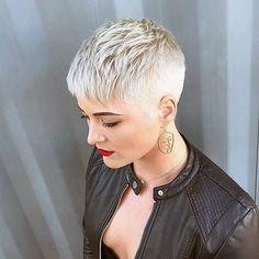 Thin Hair Cuts, Short Thin Hair, Short Grey Hair, Short Hair Styles, Black Hair, Pixie Styles, Short Blonde Pixie Cut, Short Blonde Haircuts, Blonde Pixie Hairstyles