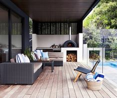 Check out 12 inspiring examples of outdoor rooms. By balancing comfort with a connection to outdoors, these spaces provide an extra living space with a relaxed feel. Outdoor Areas, Outdoor Rooms, Outdoor Living, Outdoor Furniture Sets, Outdoor Decor, Modern Furniture, Antique Furniture, Rustic Furniture, Pallet Furniture