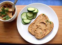 In Norwegian: Himmelsk gulrotkrem med bønner T Power, Banana Bread, Clean Eating, Food And Drink, Appetizers, Vegan, Dip, Desserts, Tailgate Desserts