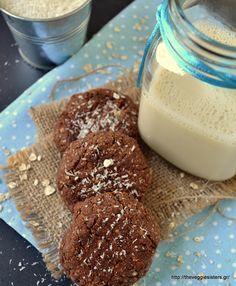 Μπισκότα με σοκολατένιο ταχίνι, βρώμη κ καρύδα – Chocolate tahini coconut oat cookies