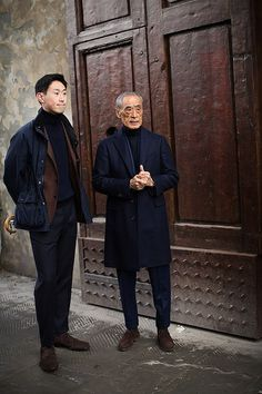 All About Navy & Brown, Florence, The Sartorialist The Sartorialist, Look Fashion, Winter Fashion, Mens Fashion, Milan Fashion, Fashion Styles, Moda Men, Outfit Man, Mode Costume