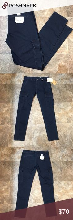 "AG Adriano Goldschmied slim cargo jeans Brand new women's AG Adriano Goldschmied the slim cargo skinny straight jeans. They are a skinny cargo style and they are a blue color. They're a size 29 with an inseam of approximately 29"". They're in flawless condition.   🌸BUNDLE AND SAVE  🌸NO TRADES 🌸REASONABLE OFFERS CONSIDERED  🌸FEEL FREE TO ASK QUESTIONS 🌸I DO NOT MODEL Ag Adriano Goldschmied Jeans Skinny"