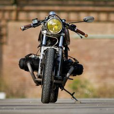 BMW R100RS brown leather grips and yellow headlight