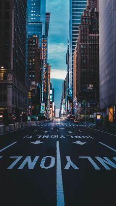 9 beautiful wallpapers for your phone in New York Wallpaper, City Wallpaper, Anime Scenery Wallpaper, Urban Photography, Street Photography, Landscape Photography, Nature Photography, Aesthetic Backgrounds, Aesthetic Wallpapers