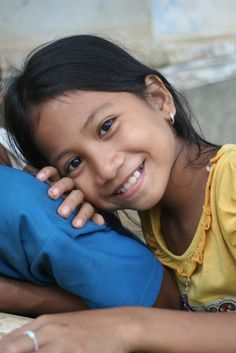 Cambodian girl, all smiles (by Yilud)