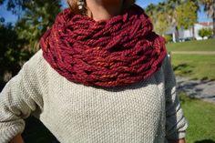 Cachecol lã feito a mão.