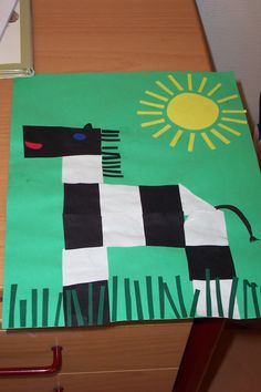 * Zebra van kant en klare vierkantjes of laat ze zelf vouwen/knippen... Abc Crafts, Bible Crafts, Animal Crafts, Safari Jungle, Jungle Animals, Kindergarten Art, Preschool Art, Art For Kids, Crafts For Kids