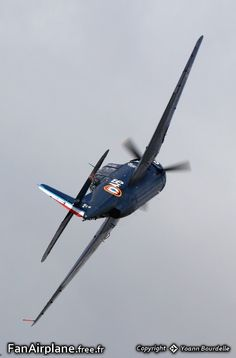 Association Charlie's Heavy, General Motors TBM-3R Avenger, HB-RDG. Ferte Alais - LFFQ. 11.06.2011. In French Aeronavale scheme (French Naval Air Arm).