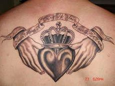What does claddagh tattoo mean? We have claddagh tattoo ideas, designs, symbolism and we explain the meaning behind the tattoo. Ring Tattoos, Love Tattoos, Beautiful Tattoos, Picture Tattoos, I Tattoo, Tatoos, Heart Tattoos, Nana Tattoo, Belly Tattoos