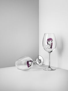 Kosta Boda + Sara Woodrow SS 2017. All About You – Wine glass