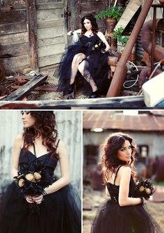 Alternative Boudoir Shoot | The Boudoir Vixen | Black, gold, lace, glitter and tulle | The Knotty Bride™ Wedding Blog + Wedding Vendor Guide