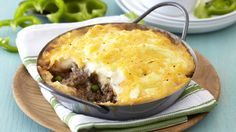 Shepherd's Pie is a great family meal. This dish is quick to prepare and is a great opportunity to add lots of vegetables for the kids. Don't forget to sprinkle with extra cheese before baking to get a golden crispy topping. Mince Recipes, Lamb Recipes, Healthy Recipes, Healthy Meals, South African Recipes, Ethnic Recipes, Quiche Dish, One Pan Dinner, Cottage Pie