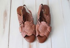SIZE 9 1/2 M Vintage Brown Leather Woven Huarache by 601VINTAGE