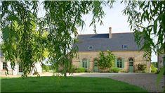 vidéki házak, lakások, francia stílus A ház minden apró részlete kifinomult, gondosan megtervezett, ugyanakkor felidézi bennünk a régmúlt idők idilljét. A rusztikus, vidékies stílus itt (Szép házak, lakások, 9) Minden, Provence, Mansions, House Styles, Home Decor, Decoration Home, Manor Houses, Room Decor, Villas