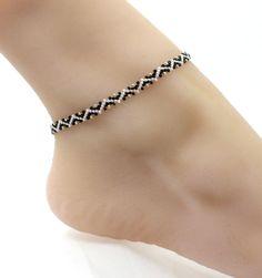 Black and White Chain Ankle Bracelet – Beaded Jewelry for Women – Zig Zag Foot Bracelet – Schmuck Foot Bracelet, Ankle Bracelets, Jewelry Bracelets, Making Bracelets, Bead Jewellery, Beaded Jewelry, Handmade Jewelry, Unique Jewelry, Handmade Wire