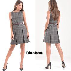 ef5603430157 Γυναικεία ρούχα Πάτρα · Καρό κοντό φόρεμα Angelo σε γραμμή Α με πιέτες και  ζώνη στην μέση. Είναι αμάνικο