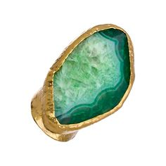 Charlene K Emerald Green Agate Cigar Ring (8.770 RUB) ❤ liked on Polyvore featuring jewelry, rings, accessories, band jewelry, charlene k jewelry, band rings, hammered jewelry and adjustable rings