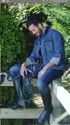 Baris Arduc, he is cracking up laughing! Turkish Men, Turkish Fashion, Turkish Actors, Shoe Sketches, Elcin Sangu, Hot Actors, My Crush, Barista, Gentleman