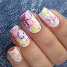 Instagram media little_zzi #nail #nails #nailart