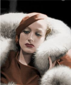 """In Pictures: Joan Crawford Here is our seventh installment of this feature to """"Love Those Classic Movies!"""" where we simply enjoy via beau. Golden Age Of Hollywood, Vintage Hollywood, Hollywood Glamour, Hollywood Stars, Classic Hollywood, Hollywood Fashion, Hollywood Actresses, Joan Crawford, Divas"""