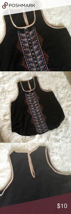 Rue 21 Top size Large Rue 21 top size large color black good condition!!!! Rue 21 Tops Blouses