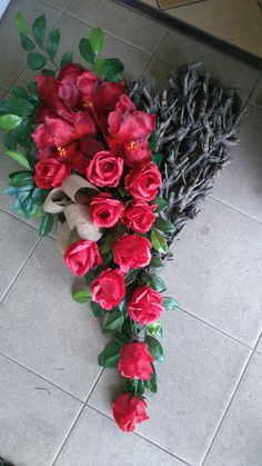 Funeral Flowers, Wedding Flowers, Vence, Cemetery Decorations, Casket Sprays, Heart Wreath, Artificial Flowers, Flower Decorations, Flower Designs